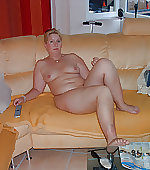 wife naked blonde