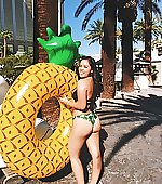Pineapples r cool